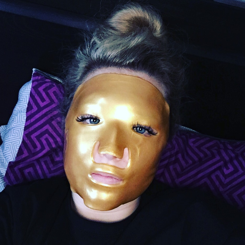 24k gold face mask review
